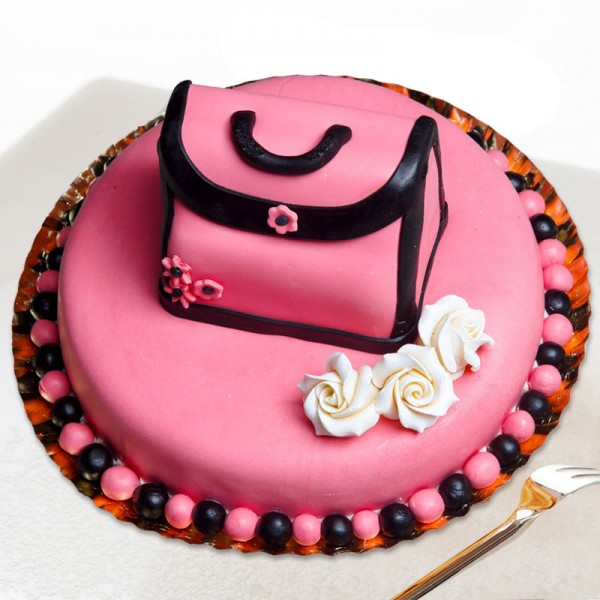 6 Types Of Offbeat Cakes To Surprise Your Sister