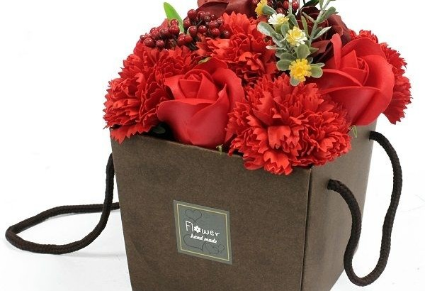 Carnation Hamper